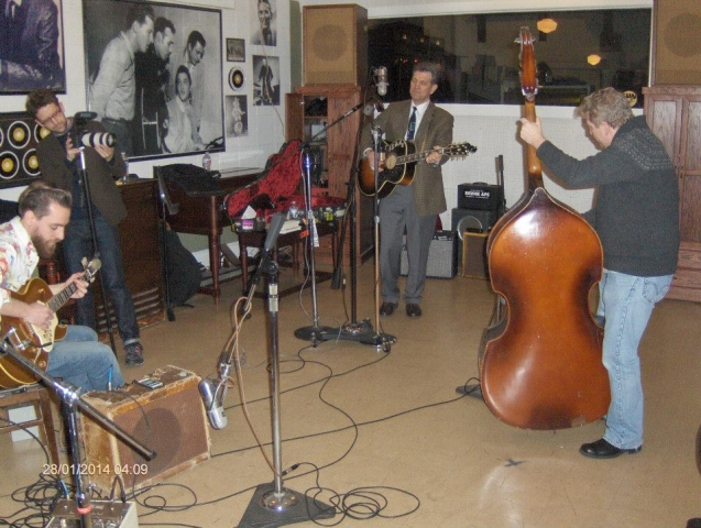 Matt Ross Spang Chris Isaak in Sun Studio
