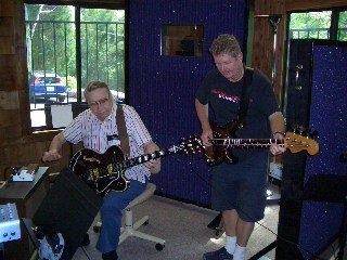 Scotty Moore in studio